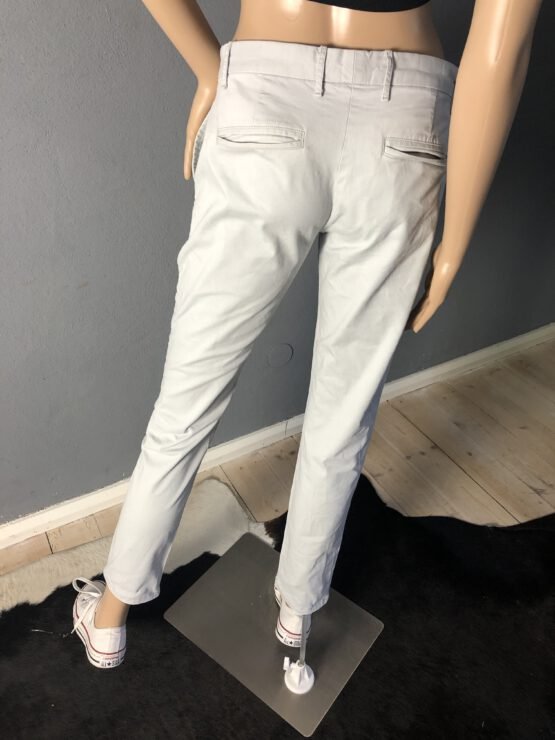 Gesäßtaschen hellgraue Damenhose